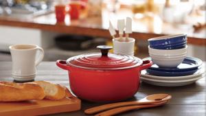 「ルクルーゼ」の両手鍋は秋冬料理におすすめ
